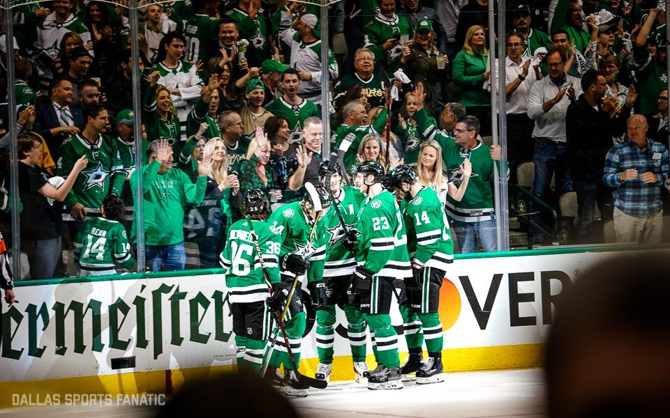 Check out photos from the Stars win over Predators! #GoStars  📸 http://bit.ly/2ZnMNVR