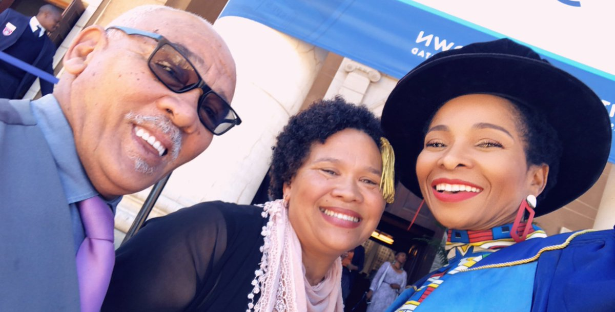 We are now about to start the last graduation ceremony of the season. So am here at the door welcoming parents, uncles and aunts @UCT_news #uctgrad2019 <br>http://pic.twitter.com/1qZpqt1Tff