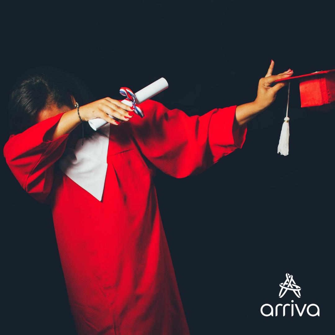 Un estudio revela que el 99,9% de estudiantes aprueban gracias al repaso de última hora en el bus   #Estudiantes #Universidad #Transportepúblico #venteArriva