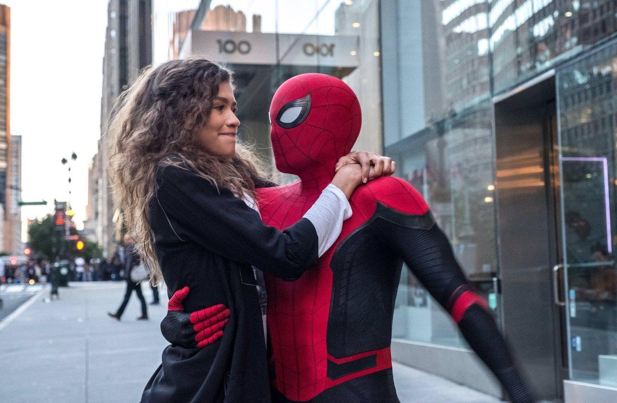 New stills for 'SPIDER-MAN: FAR FROM HOME' have been officially released