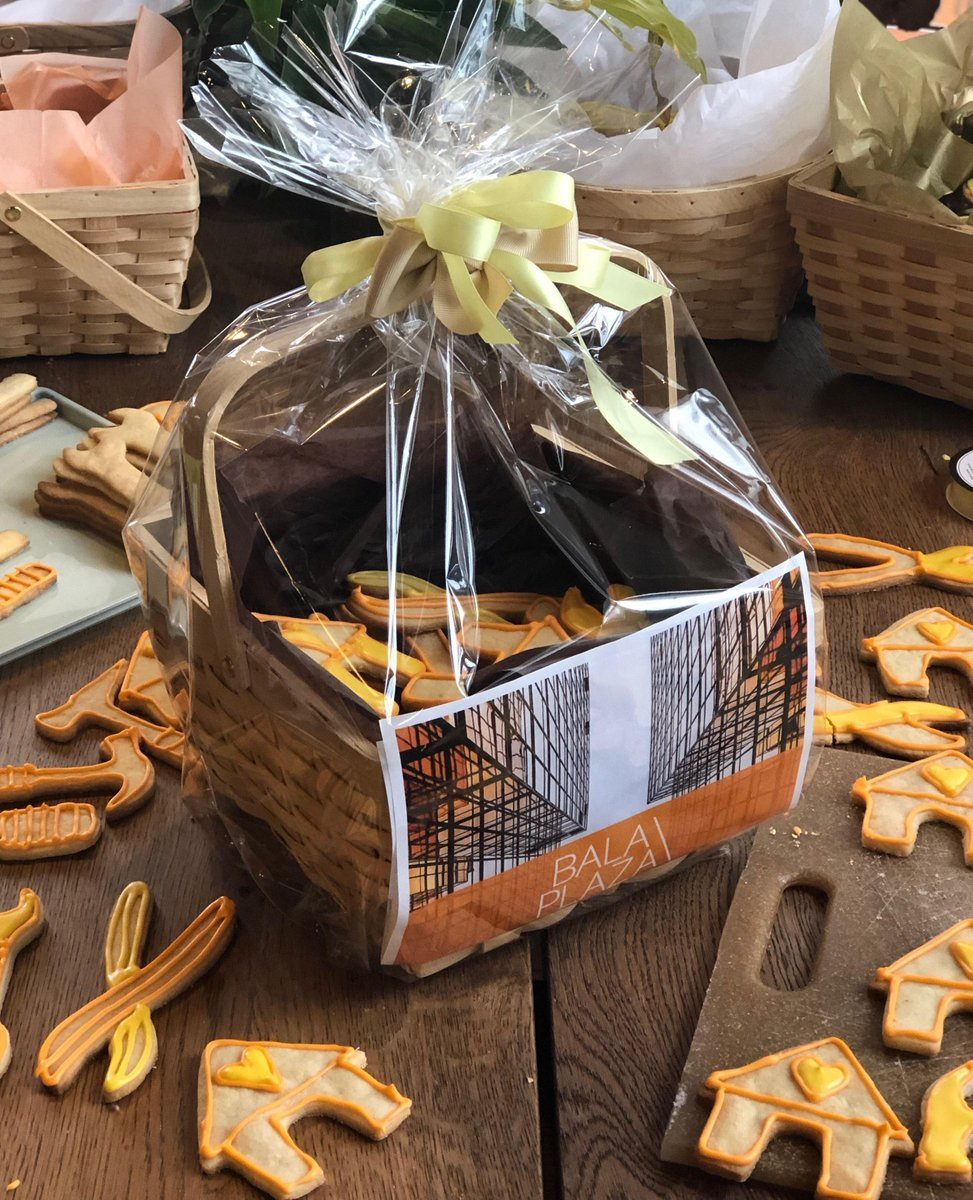 We love these adorable construction-themed cookie gift baskets by Chef Nancy! This afternoon
