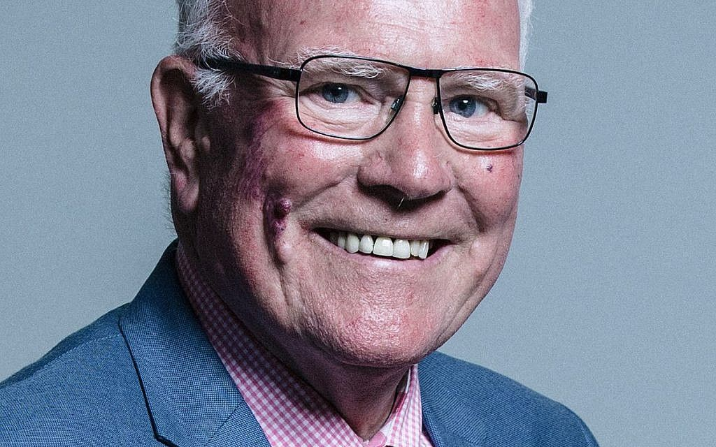 """Labour MP, Ronnie Campbell, faces criticism after he said that his colleagues are using """"the Jewish issue, the antisemitic issue"""" as a """"stick to beat Corbyn"""" with @JewishNewsUK https://buff.ly/2ZfStB7"""
