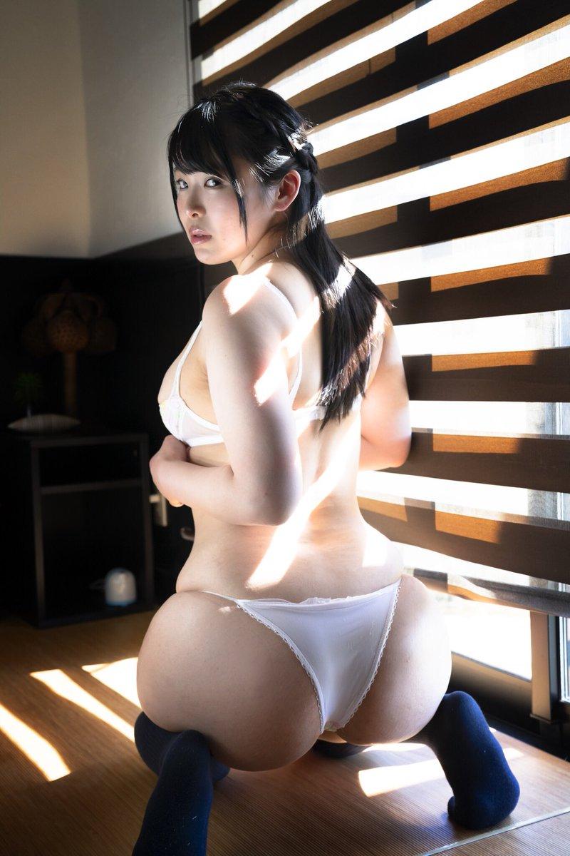 藤崎真帆の巨尻自撮り画像14