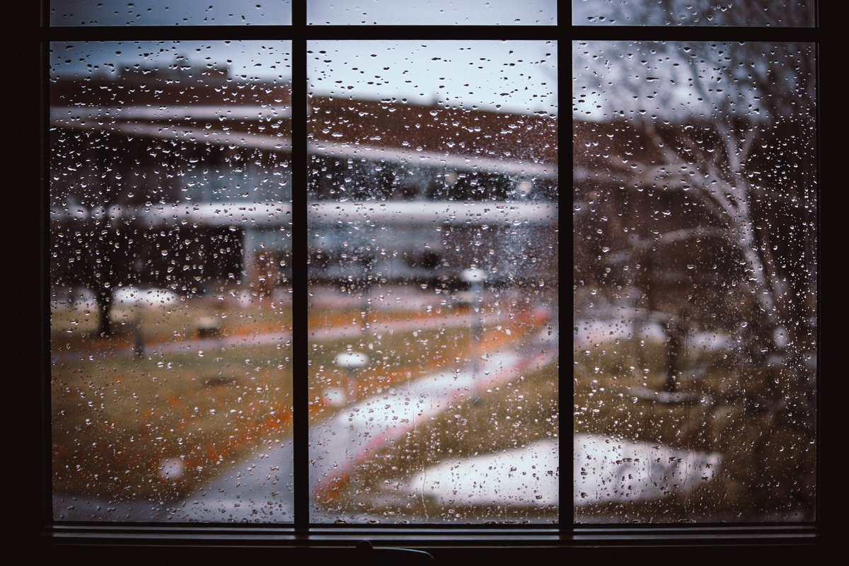 Another rainy day on campus, Yellowjackets. Don't worry, the weekend looks fantastic! https://t.co/JroEEdCRqj