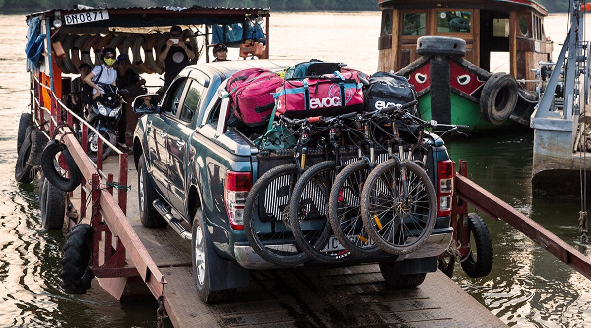 d34394a2e80 ... up to 6 bikes to protect them and the tailgate on your pickup. ...