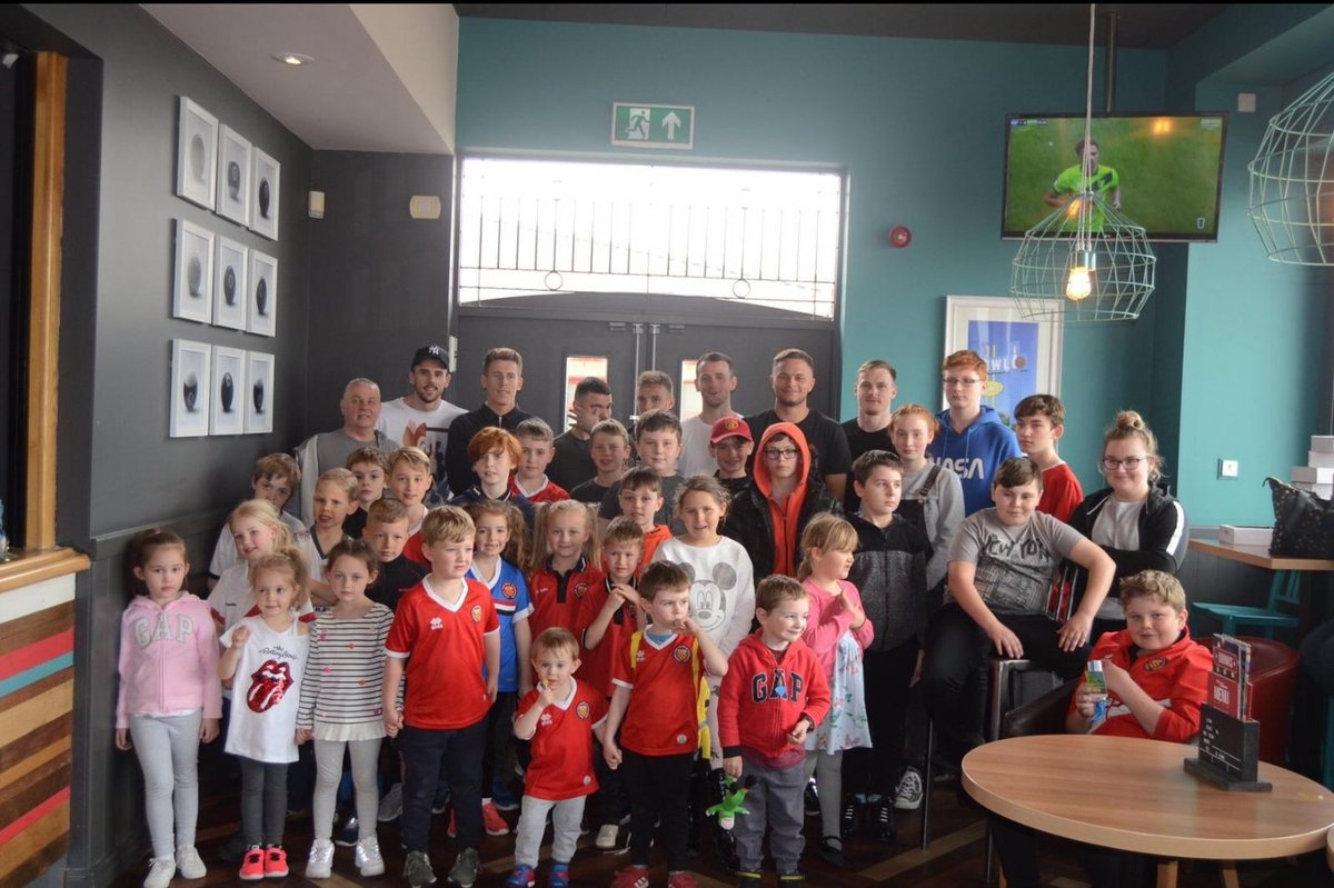 Our younger supporters had a great time competing against some of our first team players at our annual FC Youth Bowling Afternoon! 🎳  Next up for FC Youth members is the end of season Sports Day🥉🏆 More information👉http://www.fc-utd.co.uk/story.php?story_id=8300 …