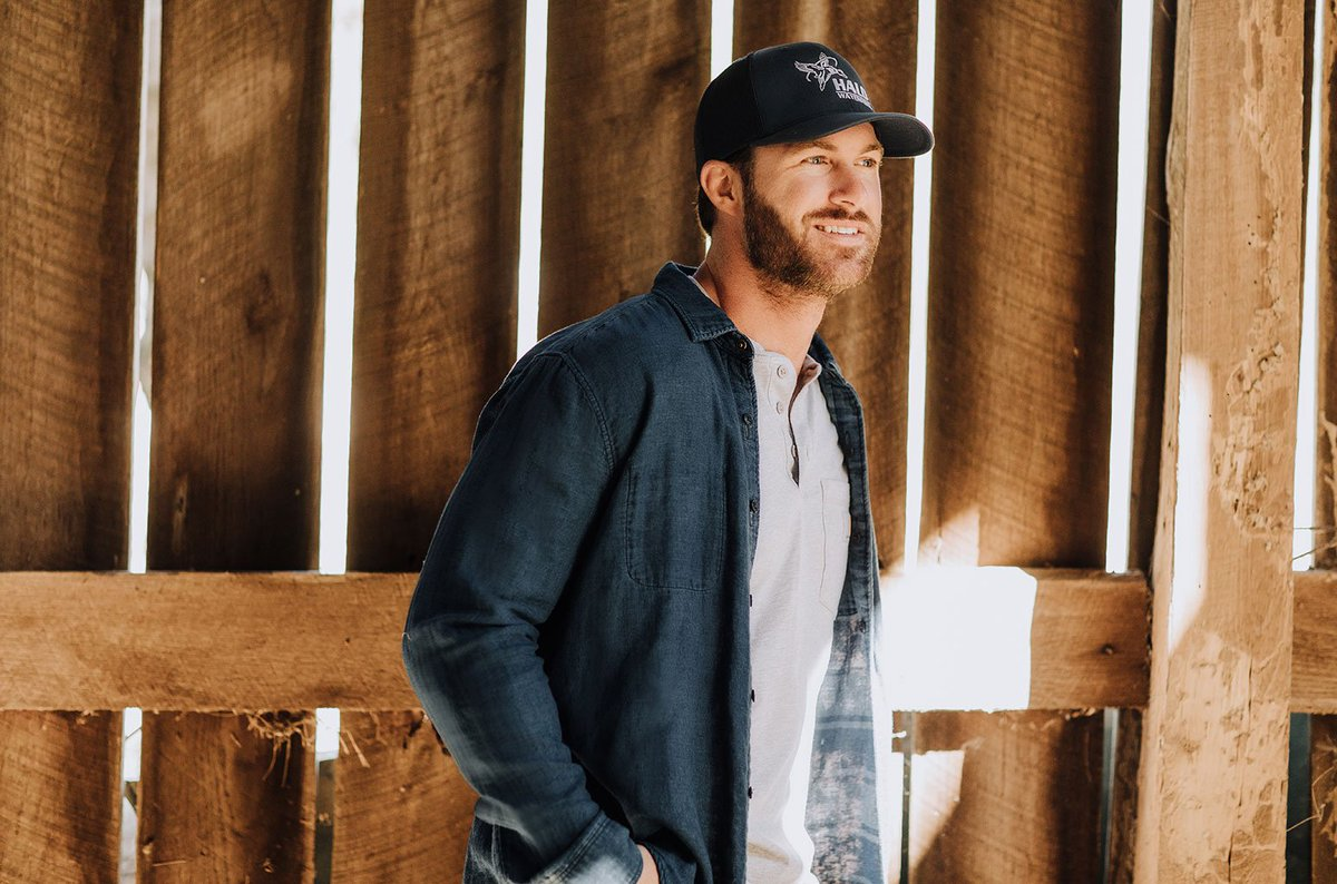 test Twitter Media - Exclusive: @RileyGreenMusic hits the beach in Belize for #InLoveByNow video https://t.co/efXd73wkmC https://t.co/Ecur5P4bDo