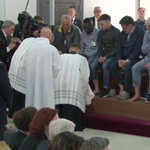 Image for the Tweet beginning: Knees are working today! #popefrancis