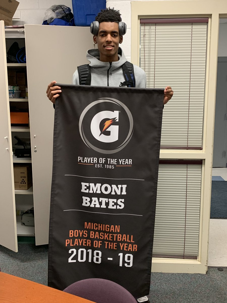 It's officially-official...Gatorade Player of the Year banner was delivered yesterday! So proud of you @BatesEmoni, can't wait to get it hung up in the gym #SplitterStrong<br>http://pic.twitter.com/VdxKG1Q4R9