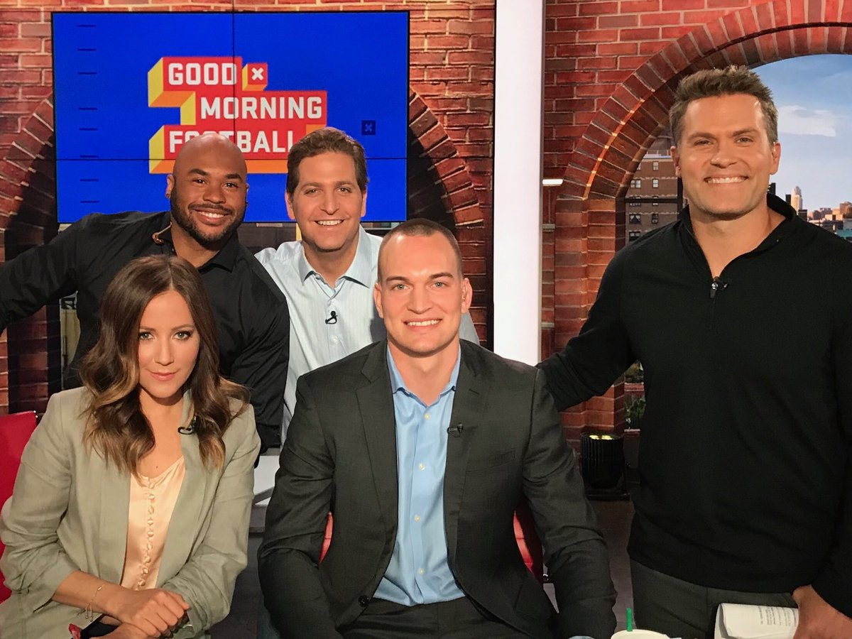 An awesome couple of days in NYC! Thank you to @gmfb & @siriusxm for hosting me & giving me the opportunity to talk about the sport I love. Excited for next week! #NFLDraft @pfsagency