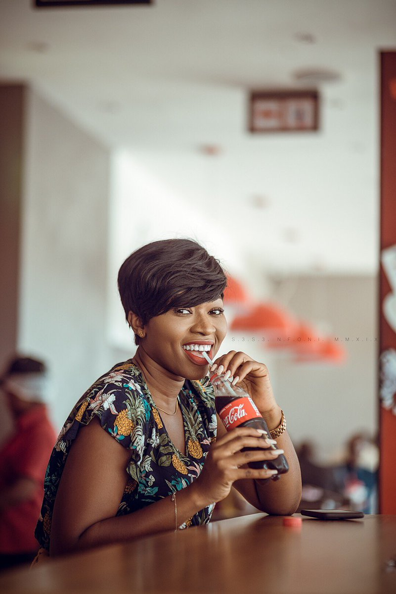 Someone please tell @CocaCola I deserve some accolades  <br>http://pic.twitter.com/ddvUEqpRJI