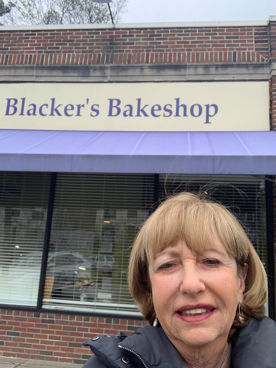 Getting my #Passover macaroons in #Newton at my favorite bakery! ⁦@BostonJCRC⁩