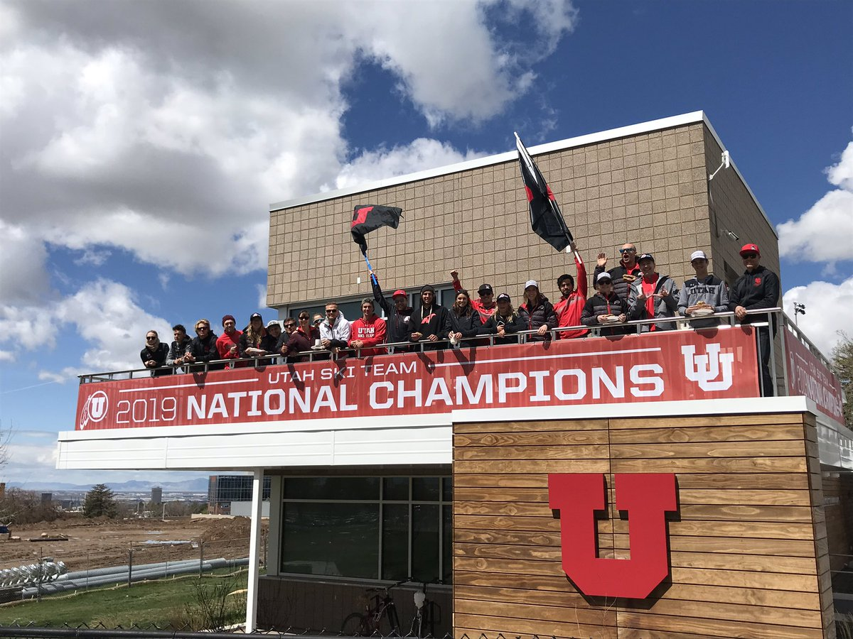 New banner on our building is looking good! #goutes #champs<br>http://pic.twitter.com/GpZhrl08iT