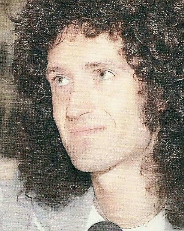 noah fence but this fat ass crush on Brian Harold May is keeping me from finding any other human being even a 1% of how attractive he is to me <br>http://pic.twitter.com/fTanMtMVcM