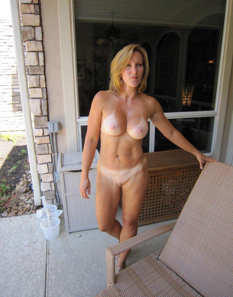 naked-nextdoor-matures