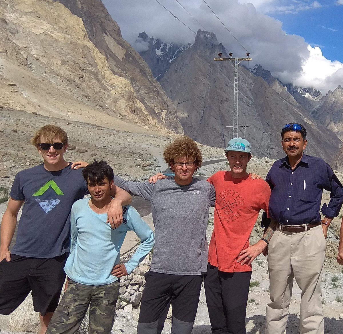 First American youngest Everest climber Jess Roskelley killed in avalanche. we lost great friend climber, My thoughts are with familys friends at this very difficult time. We tell the dead to rest in peace, when we should worry about the living to live in peace. Rest in peace  <br>http://pic.twitter.com/5nlsC1WdB6