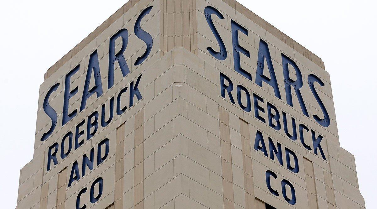 Sears Estate Sues Eddie Lampert, Claiming Illegal Transfer ofAssets  https://www. roadneighbors.com/sears-estate-s ues-eddie-lampert-claiming-illegal-transfer-of-assets/ &nbsp; … <br>http://pic.twitter.com/VF9uKdIyKE