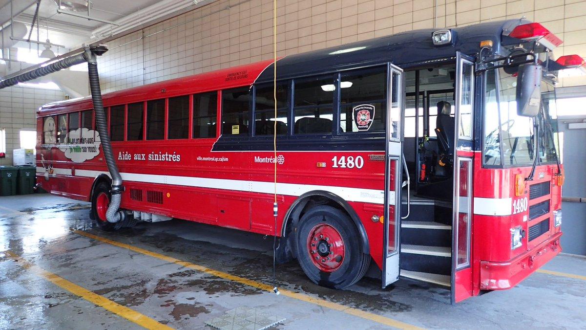 Retrait du dernier autobus d'aide aux sinistrés des pompiers de Montréal. Désormais c'est uniquement la STM qui enverra au besoin un autobus. Pourquoi la Service de sécurité incendie a-t-il pris cette décision? La réponse à 16h40 au 95,1FM @le1518 @icimontreal #polmtl