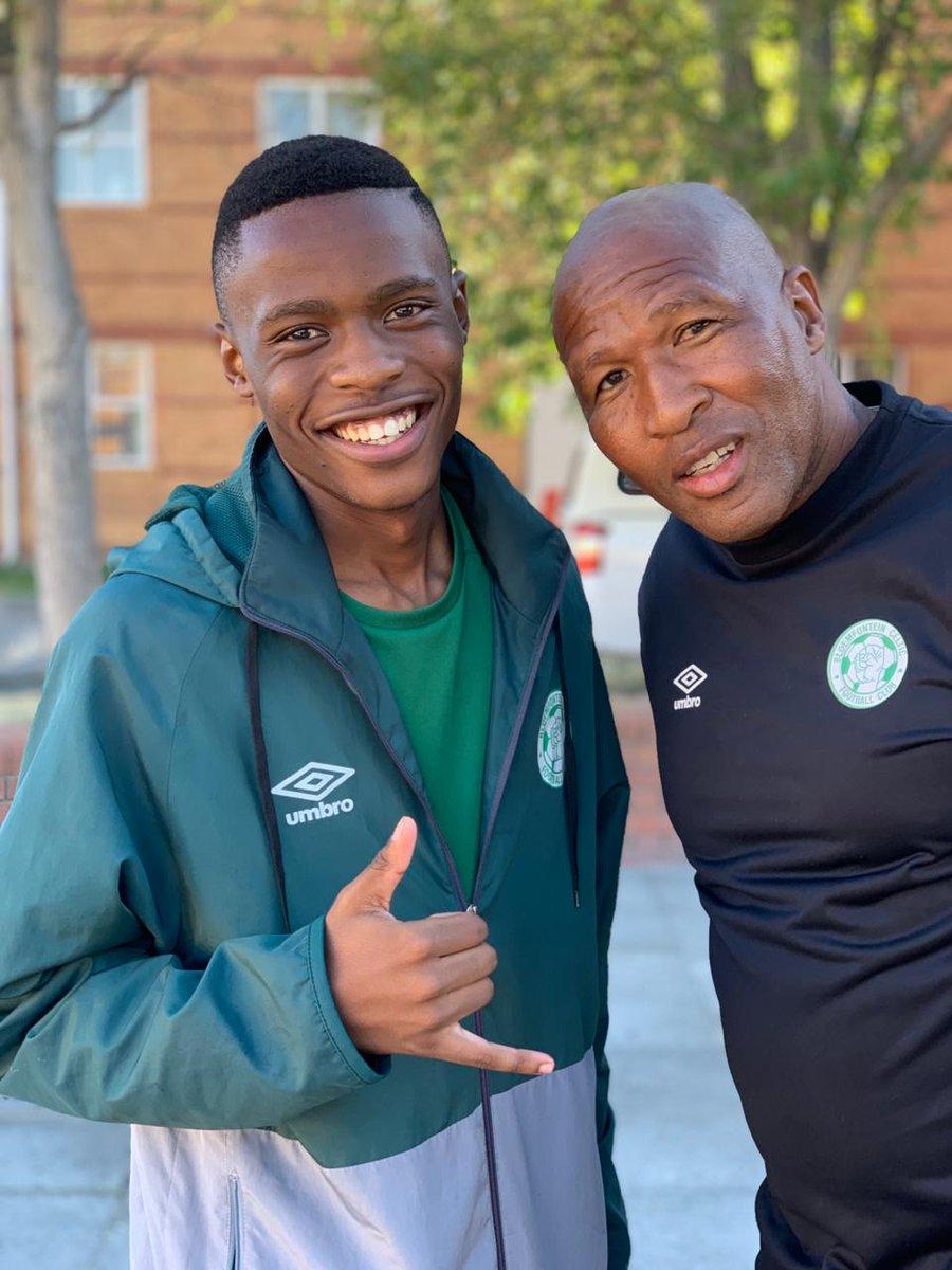 Goals from Kgotso MOTLOHELOA and Tlangani DURU  were enough to ensure a 2-1 victory as the Siwelele U19 Side came from behind to win the match against Rocka-A-Fellas.  #BayhillPremierCup2019 #SiweleleYouthDevelopment #SiweleleSaMasele