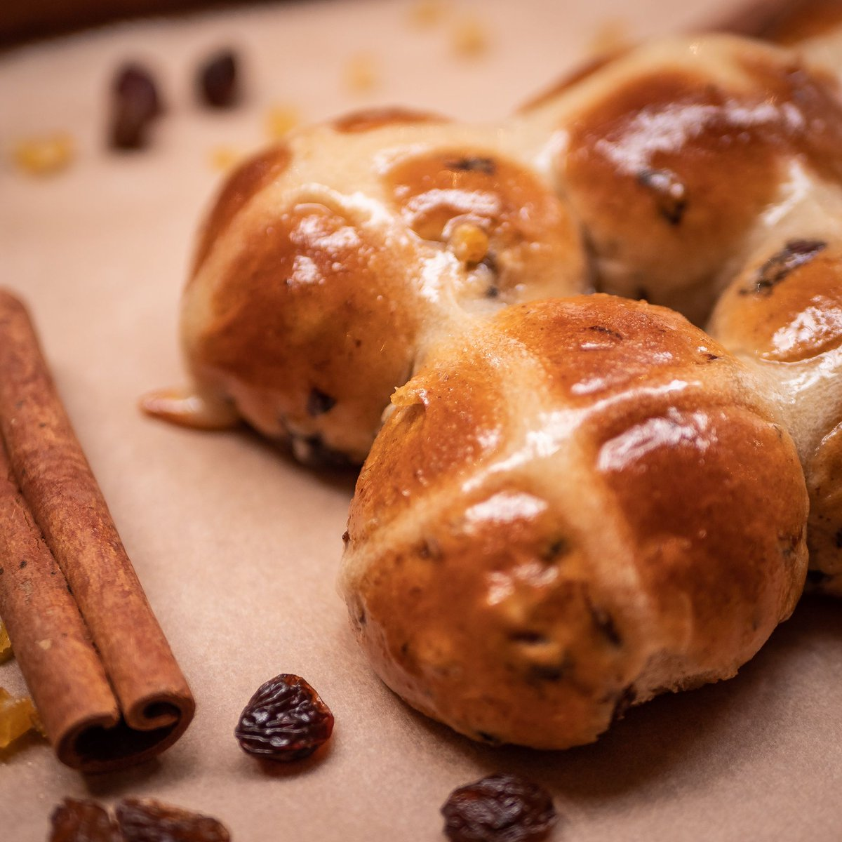 Good News for Good Friday! We'll be giving away Mini Hot Cross Buns at both Barton Arcade and Spinningfields. We've made loads and loads but unfortunately once they're gone... they're gone! If you love them then let us know by tagging us... Happy Easter! 🐇