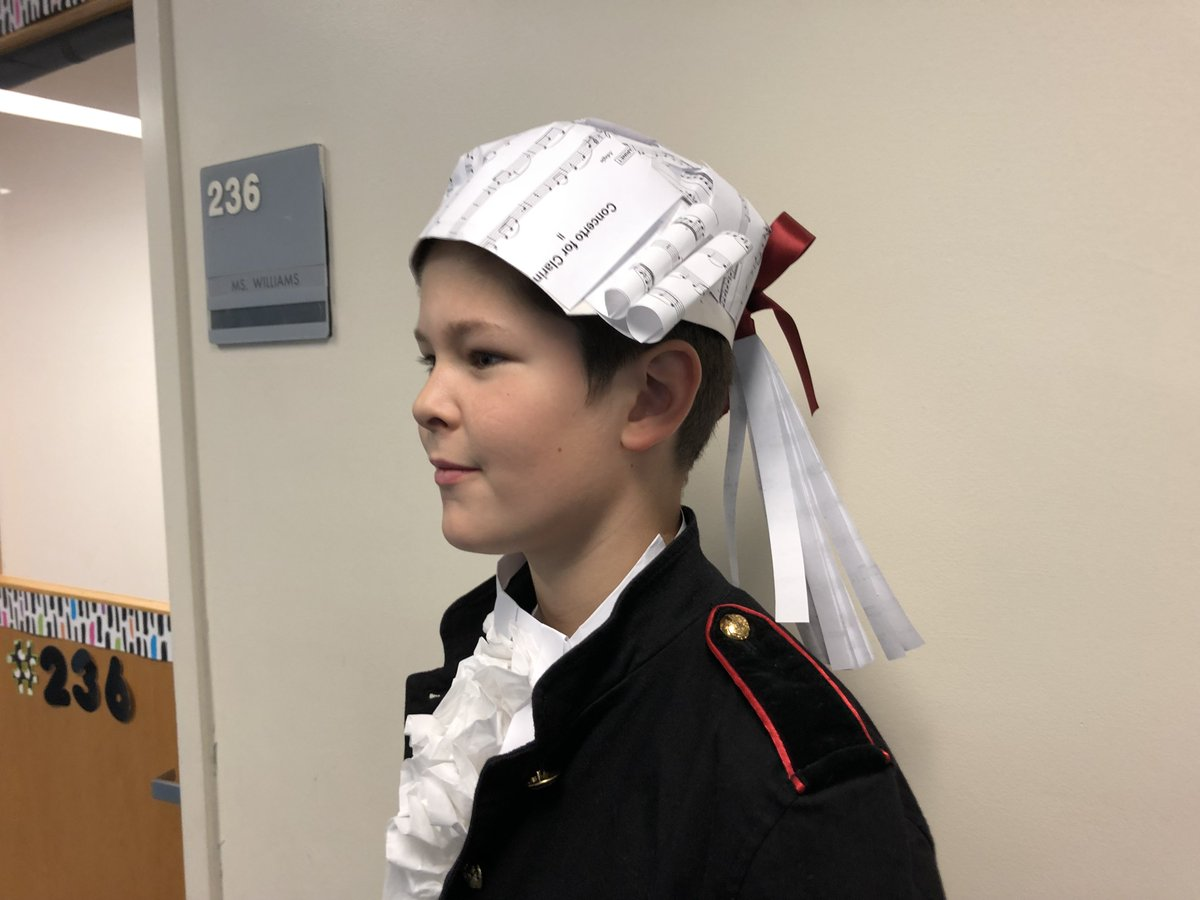<a target='_blank' href='http://twitter.com/longbranch_es'>@longbranch_es</a> saxophone player was Mozart for Biography Day!! Creative use of Mozart's music for his hat!! <a target='_blank' href='http://twitter.com/LCerrudAP'>@LCerrudAP</a> <a target='_blank' href='https://t.co/28CfoLr1IP'>https://t.co/28CfoLr1IP</a>