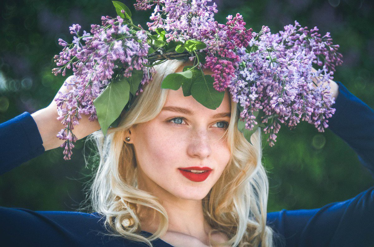 """test Twitter Media - I love the changing seasons because every season is a new beginning. But Spring is inspirational!  The air is fragrant with lilacs and in the words of Robin Williams, """"Spring is nature's way of saying, """"Let's Party!""""  #amwriting #writingcommunity #amwritingfantasy https://t.co/SBCBG2hpgv"""