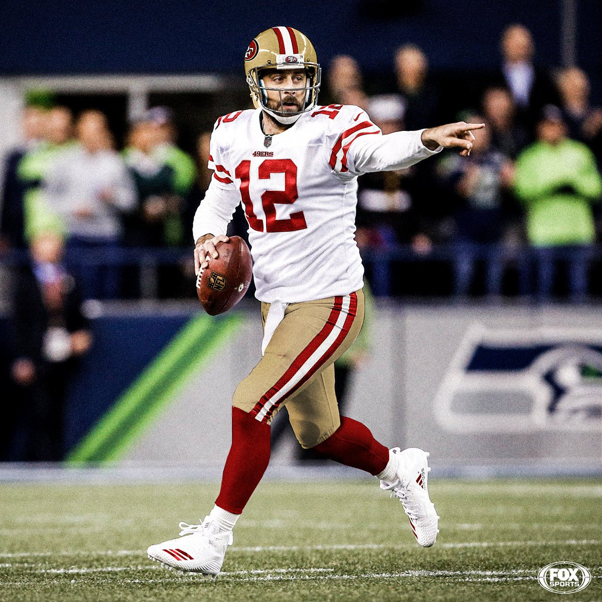 In the 2005 Draft, the 49ers elected to pick Alex Smith over Aaron Rodgers, who ended up falling to the Packers at No. 24.  What if San Francisco had taken Rodgers?  <br>http://pic.twitter.com/hpZsym9JAT