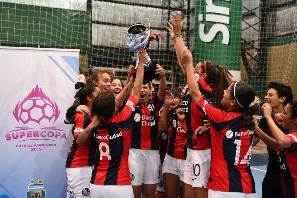 #FutsalFemenino ⚽ ¡Título 21º para Las Santitas!    🏆🏆🏆 Torneo AFA '05, '06, '16  🏆🏆🏆🏆🏆 Apertura '08, '09, '11, '12, '13 🏆🏆🏆🏆🏆 Clausura '08, '09, '10, '11, '17 🏆🏆🏆🏆🏆 Anual '08, '09, '11, '12, '17 🏆 Torneo A. Garnica '15 🏆 Copa Argentina '18 🏆 Supercopa '19
