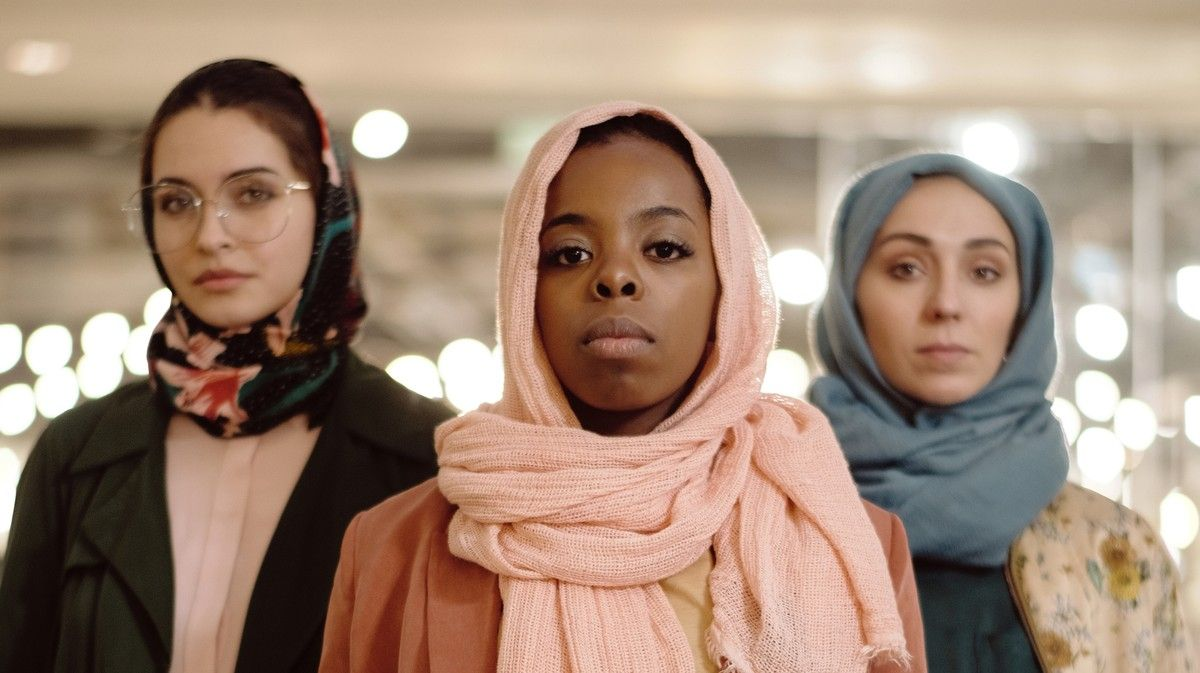 In the aftermath of the #NewZealandTerroristAttack, public figures continued to perpetuate Islamophobic tropes & refused to acknowledge white supremacy. Want to know how to support Muslim women? Here's 100 ways to get started via @broadly https://buff.ly/2OvF7LX