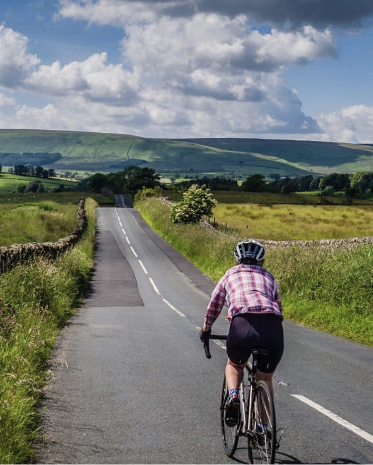 Make the most of the Easter weather in the UK. #cycling #bowland #lancashire https://t.co/GrIlwNdt5a