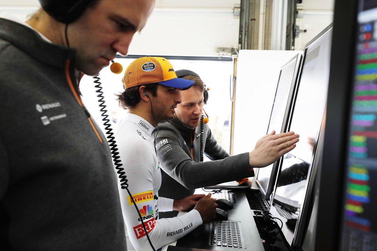 #F1 | [Vídeo] Así vivió McLaren el GP de China.  ➡️ http://bit.ly/2DpJNii  #Fórmula1 #McLaren #GPChina #ChineseGP #Race1000 #Sainz #Norris #McLarenUnboxed @McLarenF1 @Carlossainz55 @LandoNorris