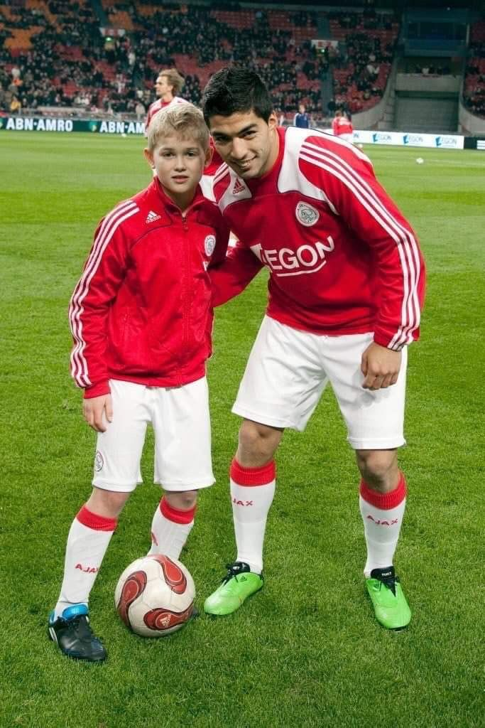 10 years ago a young Ajax ball boy asked for a picture with Luis Suarez before the game.  Today, both de Ligt and Luis Suarez are Champions League semifinalists with their teams and could potentially face each other in the final.  Feel old yet?