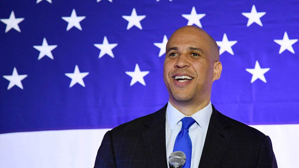 Booker posts searchable version of Mueller report to counter Trump admin&#39;s &quot;unsearchable pdf&quot;  http:// hill.cm/f6bCZVl  &nbsp;  <br>http://pic.twitter.com/jf5BK76KUu