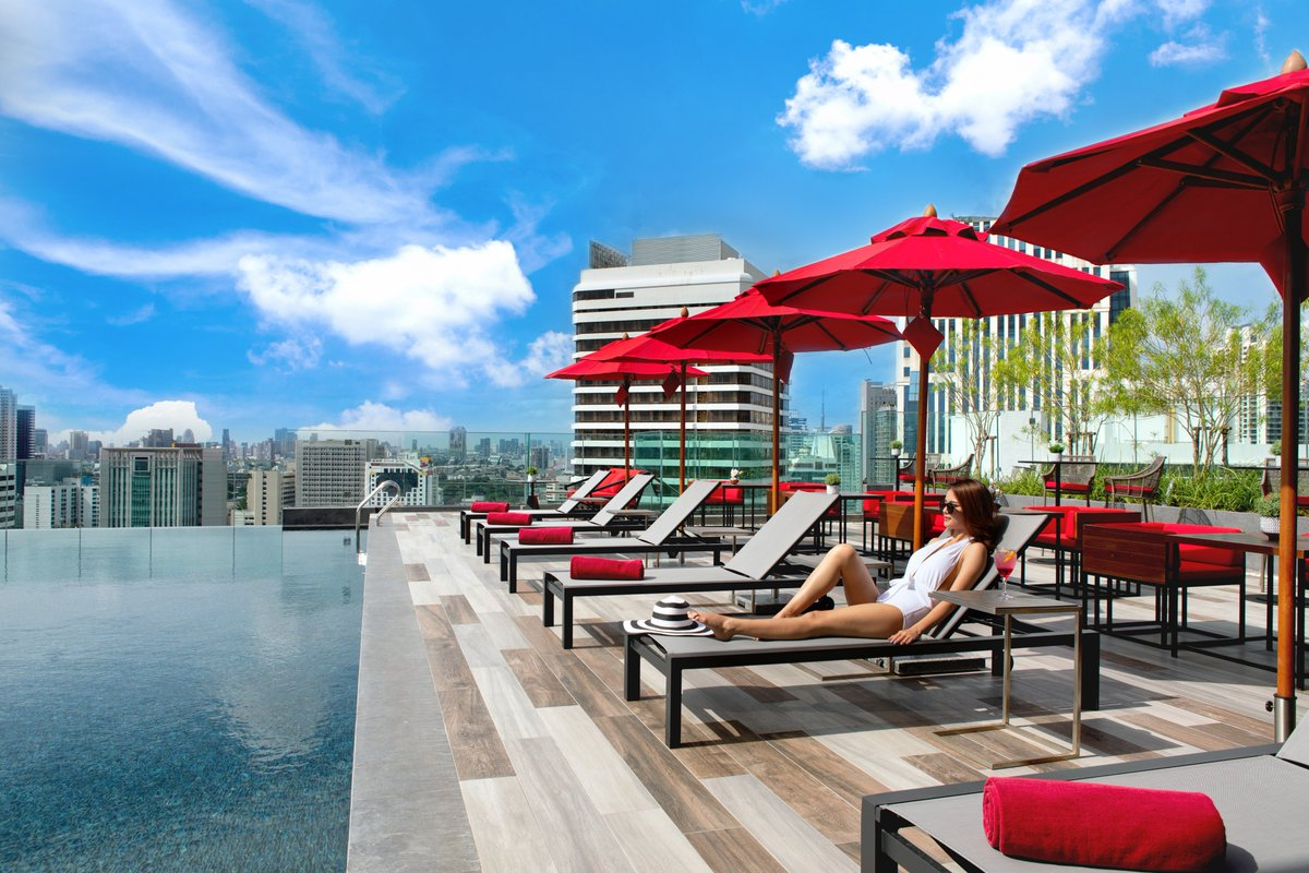 What could be better than a sun bathing in the afternoon with the most stunning view in this area!  📲 https://t.co/0NmFoHM6wP #ibisStylesBangkokSukhumvit4 #AccorHotelsAPAC #Feelwelcome #Sukhumvit #Thailand #เที่ยวไทย #ที่พัก https://t.co/ExWqV7qe5Y
