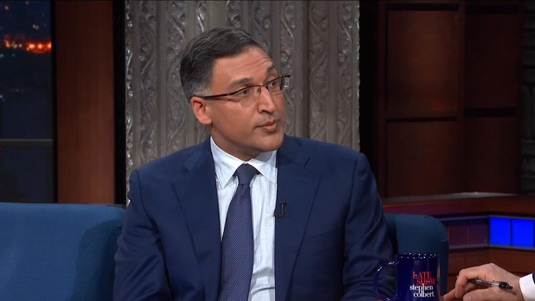 """""""You could read this 400 page Mueller Report as an epic subtweet of the Barr memo saying a president can't obstruct justice."""" @neal_kaytal #LSSC<br>http://pic.twitter.com/3BczLCZiHQ"""