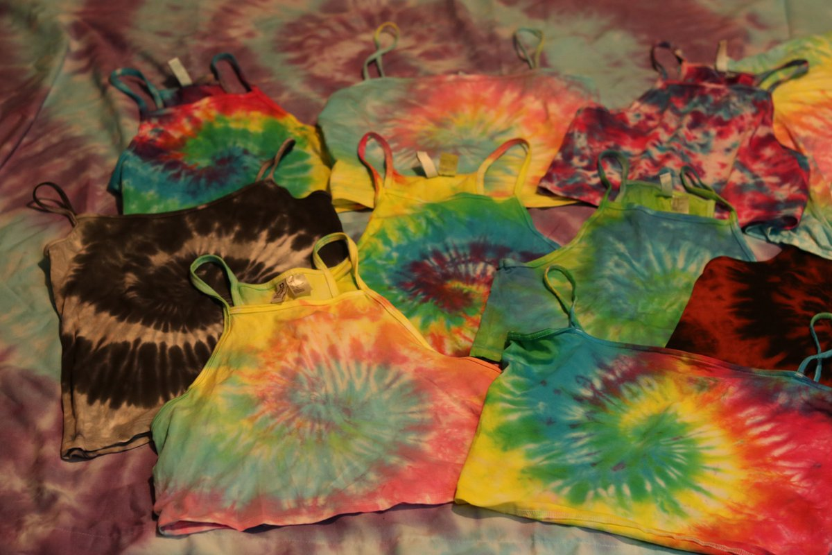 If anyone is still awake. Sorry the pics are awful, if you need better ones just message me. Everything is $12-$15! Message for sizes or questions :)))))) #TieDyeeeee<br>http://pic.twitter.com/6Vf2ddTIyU