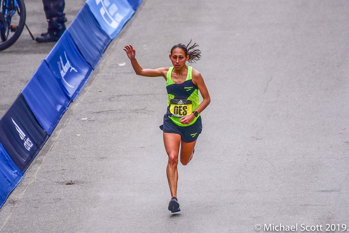 """I'm going to be totally honest with you,"" @des_linden, ""that was me almost vomiting.""   - Des responding to a reporter's question whether she was choked up about the @jhboston26 crowd's response to her coming into the finish.   #JHBoston #BostonMarathon <br>http://pic.twitter.com/m2E0goGzCJ"