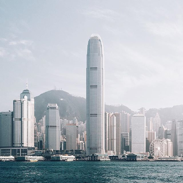 Great pic!  MT @vanstelia To travel is to inspire and to be inspired. The Hong Kong skyline truly is beautiful. #explorehongkong #discoverhongkong #hongkong #hongkongtrip  #beautifulseasia #asia_vacations #asiatravels #discoverasia #asiatravelpic.twitter.com/rOXcJuBXVZ
