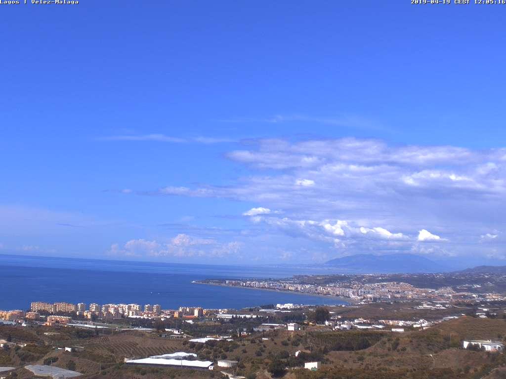 Costa del Sol - Live Cams on  http:// spainweather.es  &nbsp;   #Malaga #Torrox #Torremolinos #FelizViernes <br>http://pic.twitter.com/Xql1fMKbK2