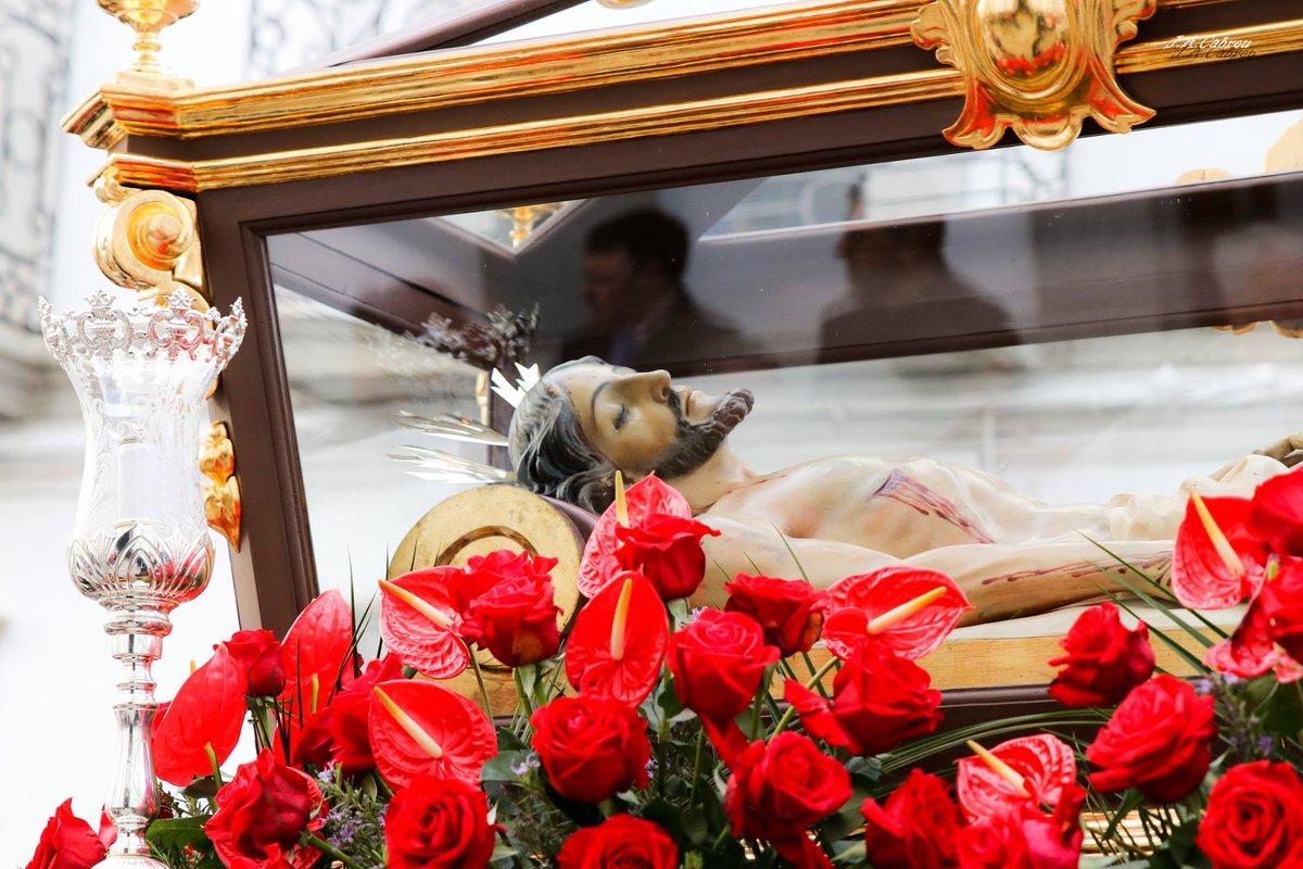 Viernes Santo en #VillanuevadeCórdoba -Santo Entierro Salida: 19:00 h -Soledad Salida: 00:00 h. Parroquia de San Miguel