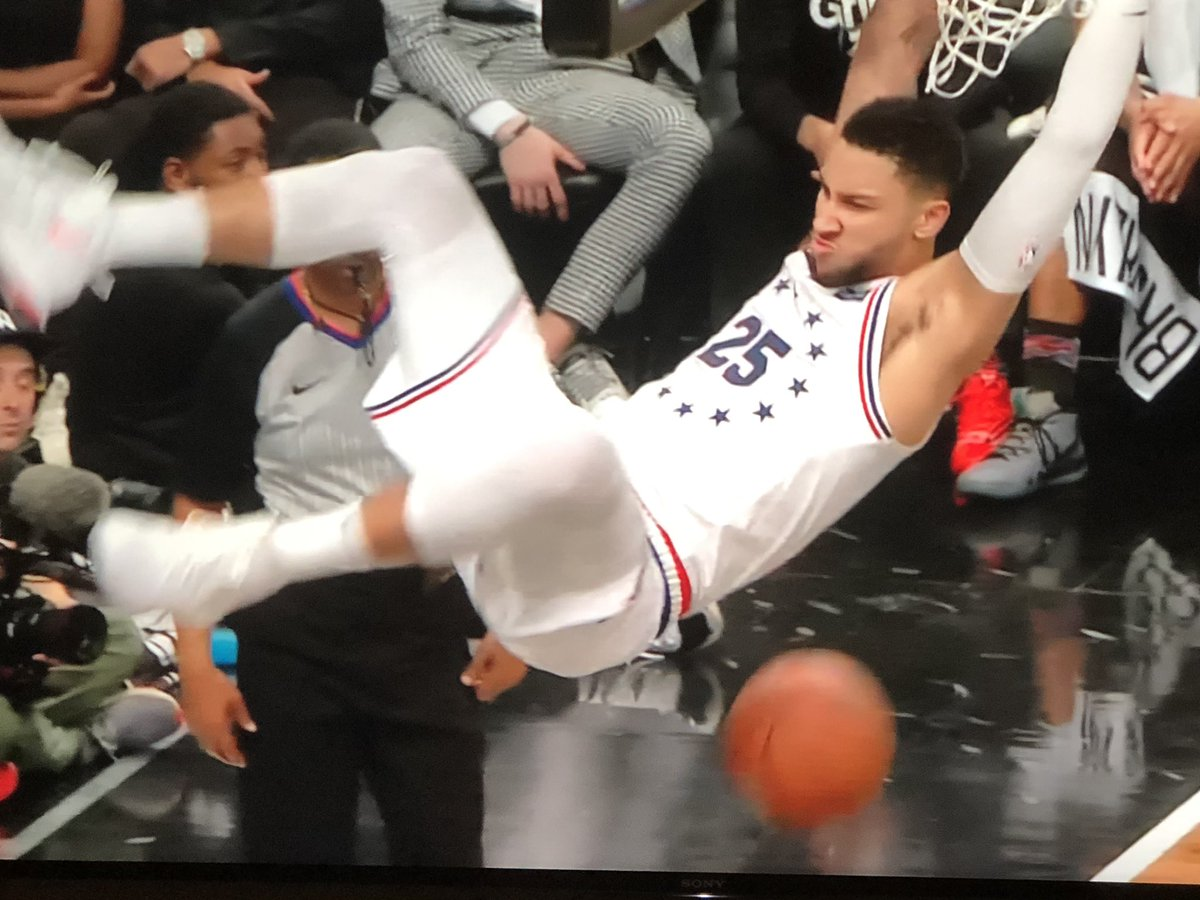 @BenSimmons25 Ben, I know you don't say much but I really need to know if you made this face on purpose as an homage to 😤 https://t.co/cOXLd8jJsg