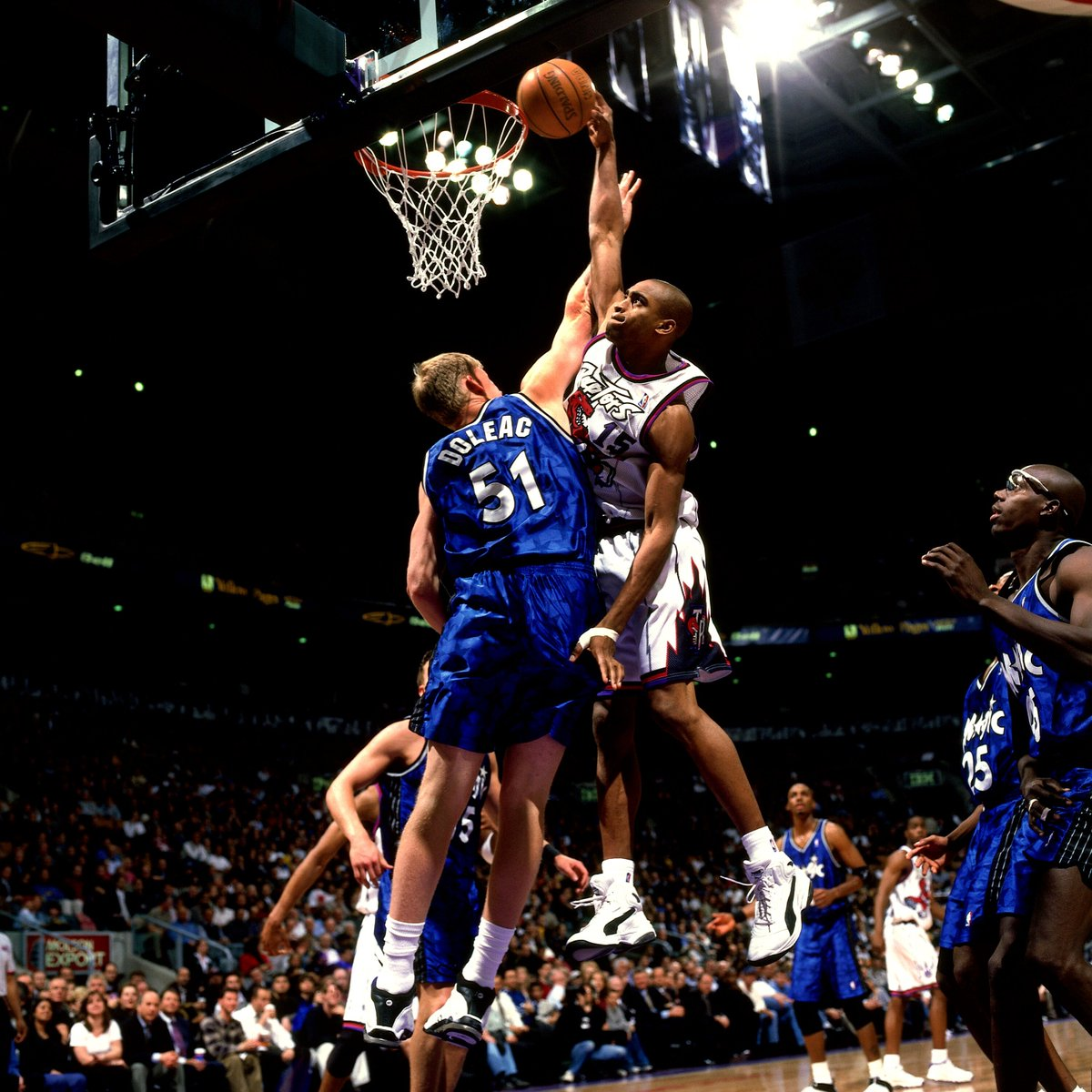 20 years ago today, @mrvincecarter15 threw down in the Puma Vinsanity.