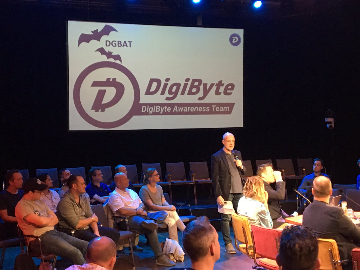 @RudyBouwman doing a nice presentation of the @DGBAT_Official! #DigiByte rocks! <br>http://pic.twitter.com/LlZtDFYYoA
