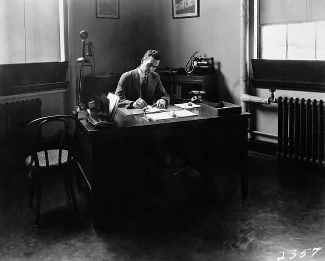 #FlashbackFriday to this date 1928: Henry J.E. Reid, the Engineer in Charge of the Langley Memorial Aeronautical Laboratory (now @NASA_Langley) working at his desk. (Did you notice the phone on a swivel arm?)