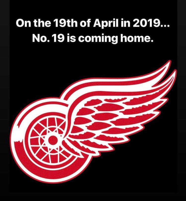 Whoohoo! #yzerman #19 #hockeytown https://t.co/IJKQOEqiO2