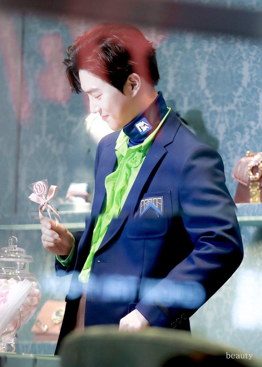 My candy boy   #수호_MIUMIU #SUHOxMIUMIU @weareoneEXO<br>http://pic.twitter.com/WIVGyc1U97
