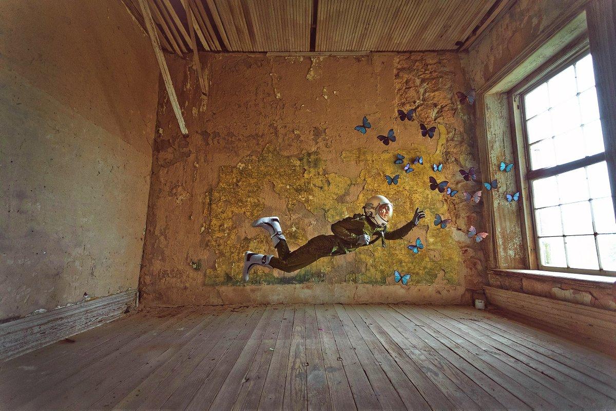 🚀 The Lonely Astronaut by@KJerzykPhoto👩🚀 👨🚀  #astronaut #nasa #spaceman #universe #spacegirl #butterflies #Spacesuit #FearlessFriday #fridayfun #fridayfeeling #friyay #fridayvibes #photomanipulation #photoedit #digitalart #photoart