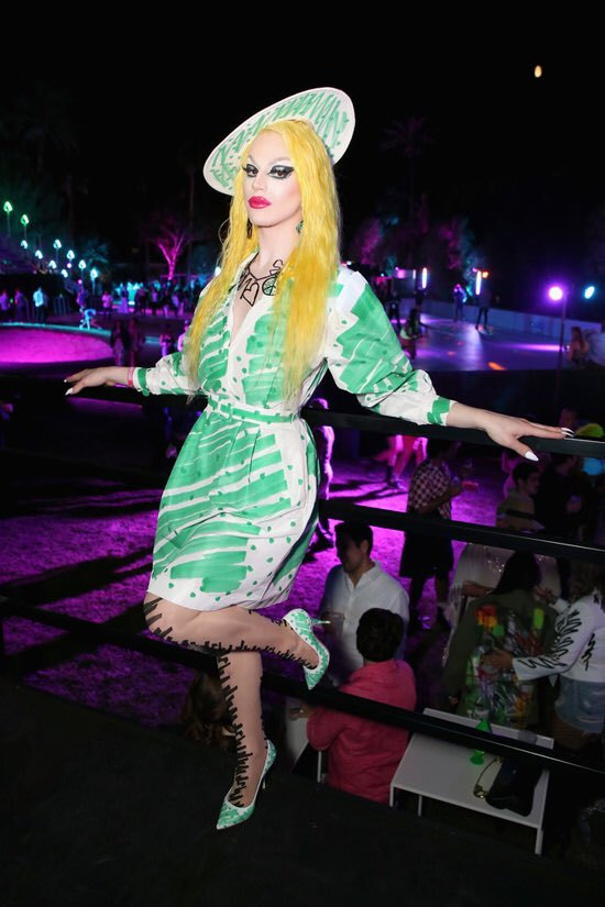 Baby, Aquaria chose a great Moschino look for the Sephora x Moschino event but this wig, not so great.