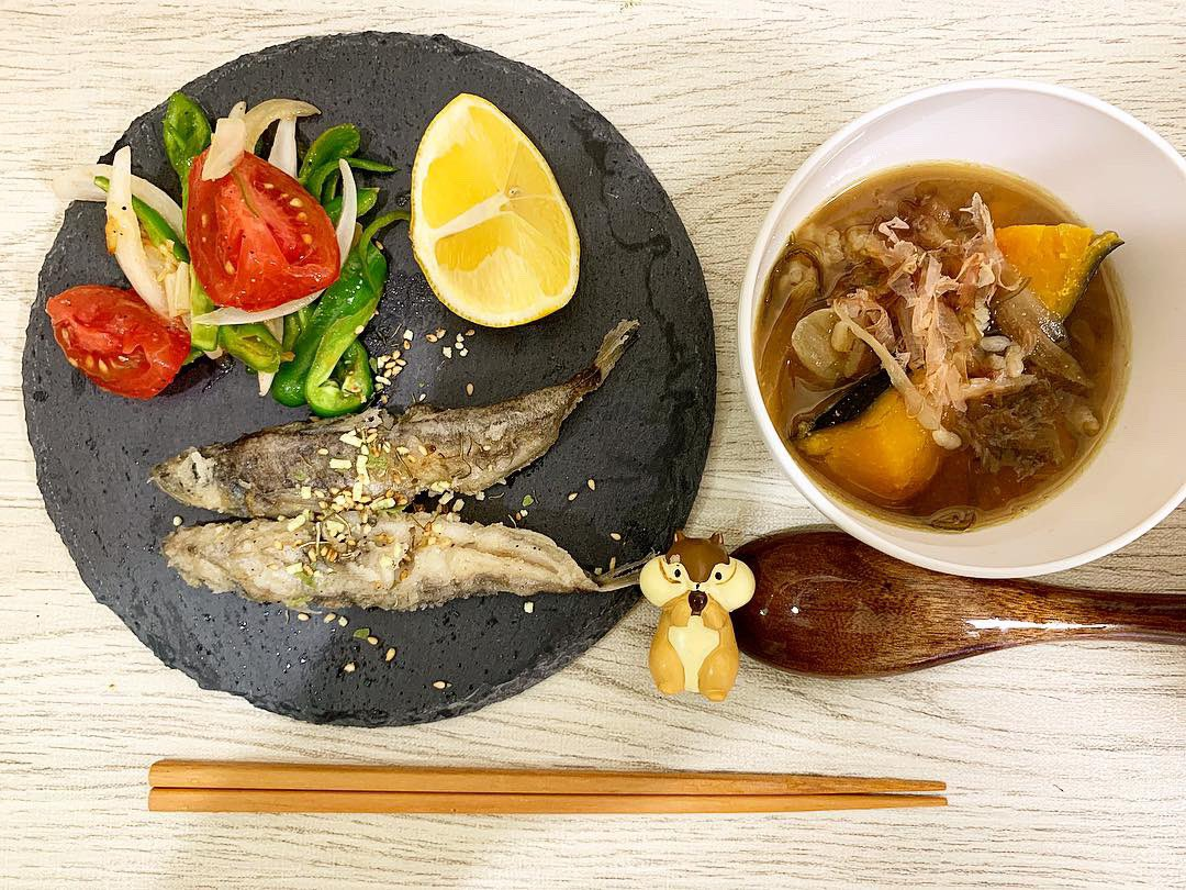 今日の夕食のメヒカリの唐揚げ Today's dinner #Mexicali #lemon #tomato #onion #piment #garlic #Yuzu pepper #Bonito #pumpkin #kelp #Noodle soup #miso #salt #pepper #White fish  #kitchen #cooking #dinner #fish #JAPAN #Tokyo #料理 #キッチン #夕食 #メヒカリ #目光 #白身魚 #美味しい
