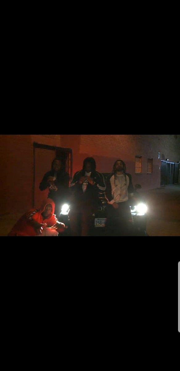 Just a lit group of individuals 🤷🏾♂️ #ivreeproductions #chevyquis #hiphopartist #losangeles #lamusicscene #rap #music #KeepingTheMusicInMotion #ShotGun #minnesotamusic